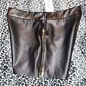 Forever 21 Shorts - Forever 21 Faux Leather Side Zip Shorts Sz M NWT